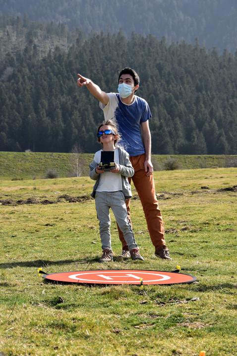 Séance de découverte du pilotage de drones à Payolle - Dronespace 4