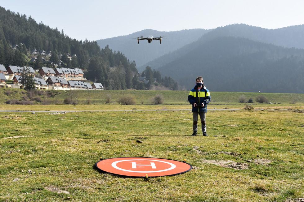 Séance de découverte du pilotage de drones à Payolle - Dronespace 1