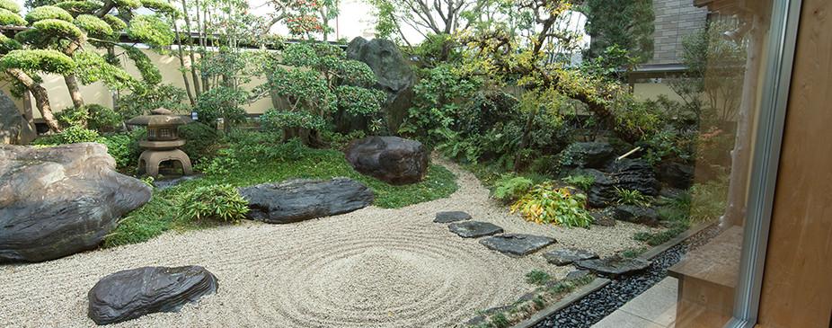 枯山水の庭3