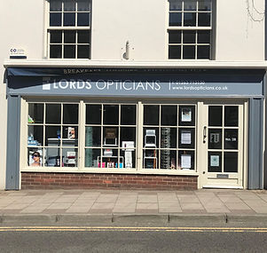 the-lords-opticians-shop-store-in-holt-norfolk-england-britain-uk-d9a62h.jpg