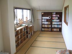 二階北の小部屋と書籍
