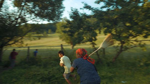 Pro Vita Jocurile Verii Ep 1 snap shot 1