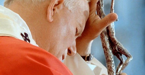 Cardeal Comastri: João Paulo II transformou sua cruz em amor