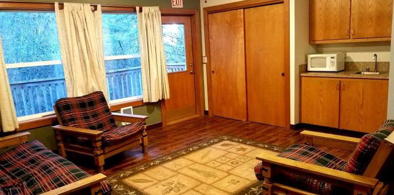 Oregon-4h-Center-cottage-4-interior-768x