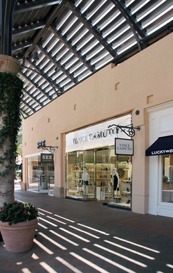 Vince Camuto, Fashion Island Mall CA