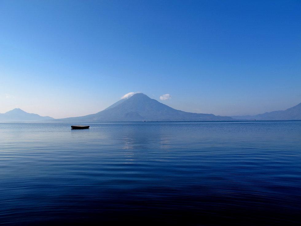 Lago Atitlan Guatemala.jpg