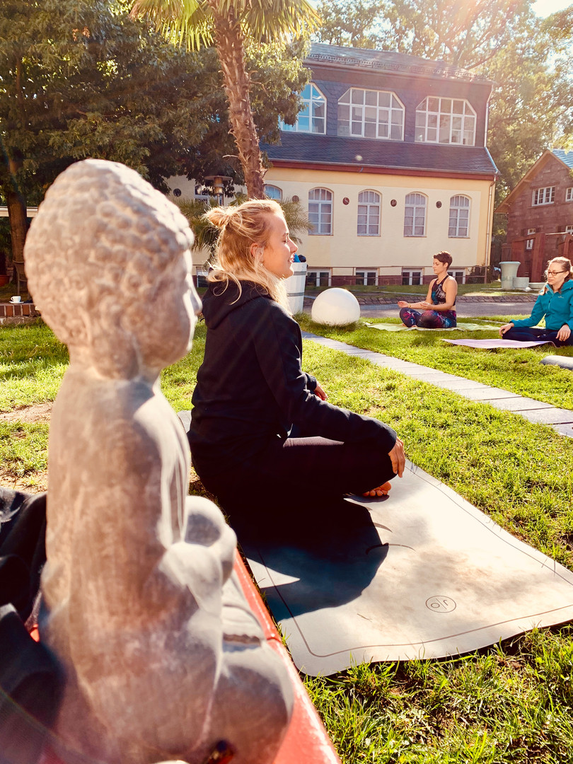 Yoga Majolika 1