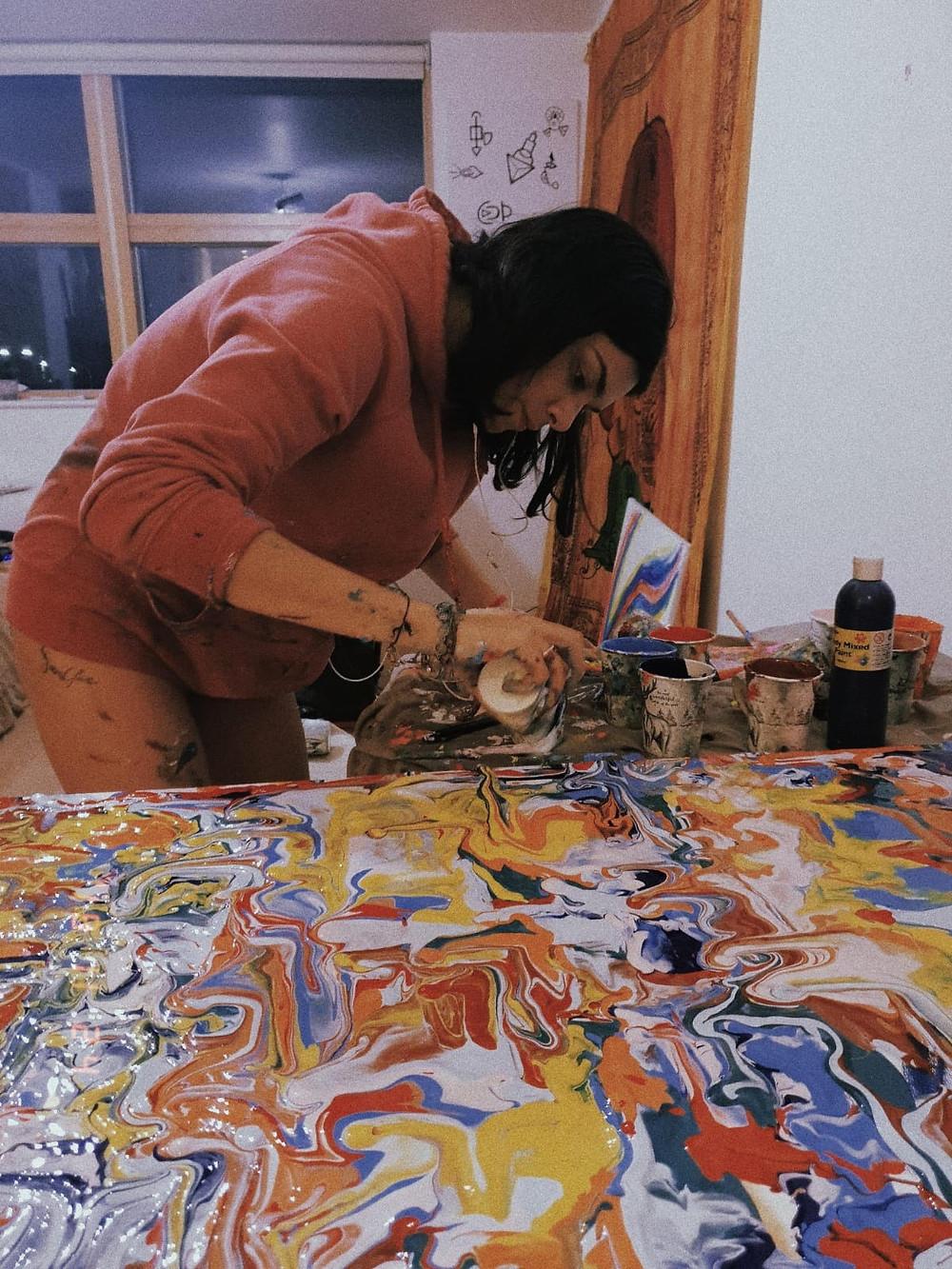 Alessia Camoirano Bruges lavora alla creazione di Dido's Myth