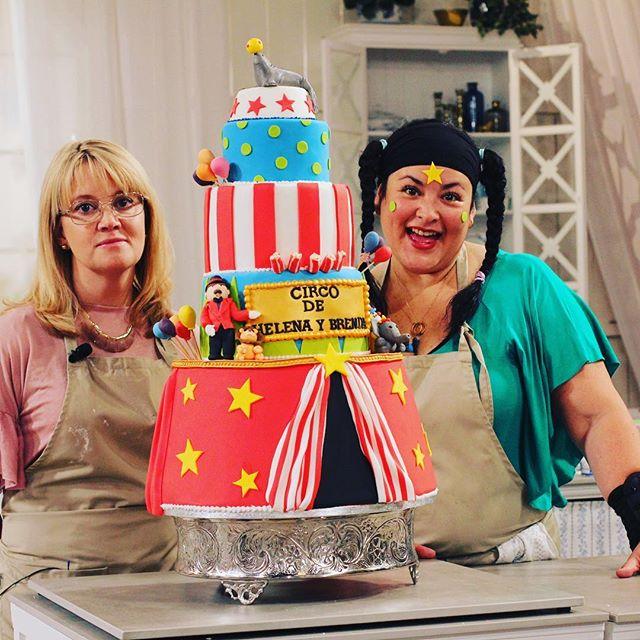 Jag är superglad över Helenas och min tårta ikväll! Vilka fina kommentarer om vår samarbete, smaker,