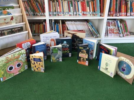Los libros aterrizan en la biblioteca