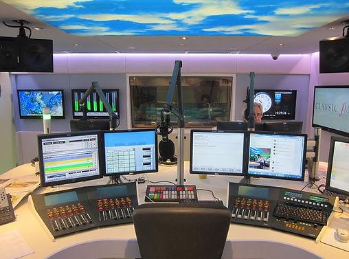Studio de Radio Nataan.jpg
