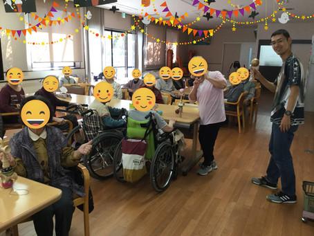 宮崎町薬局の近くのデイケアでけん玉教室を行いました。
