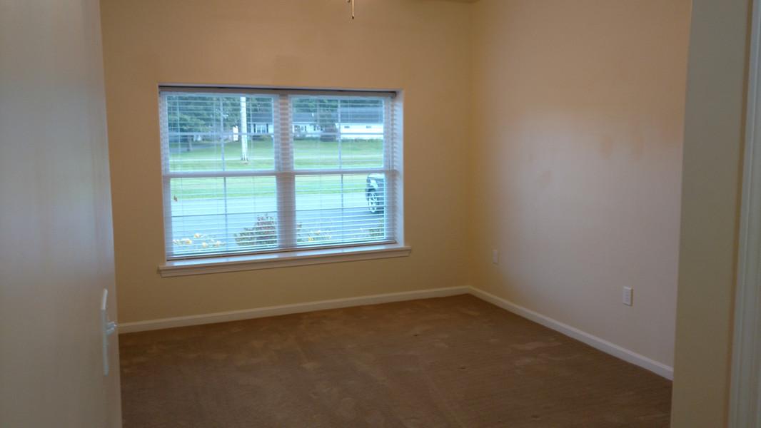 Bedroom-Front window.JPG