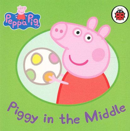 Piggy in the Middle (A Peppa Pig Board Book)