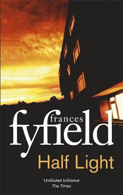 Half Light (Frances Fyfield)