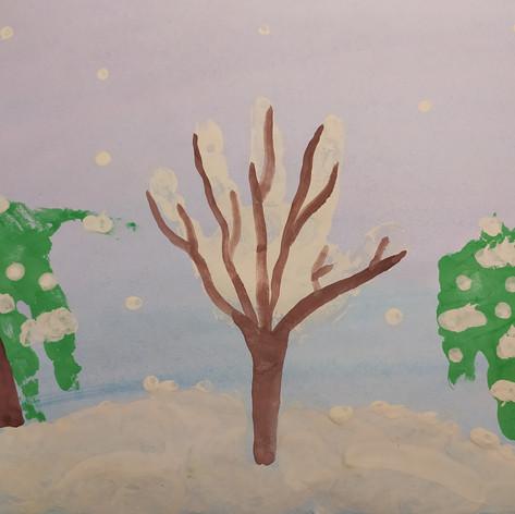 """Хорошо в лесу зимой, лес украшен бахромой!"""