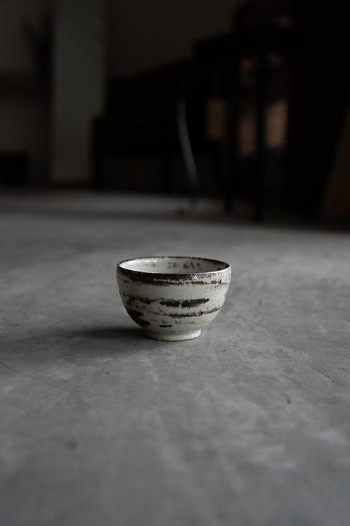 Vintage Minoyaki Black White Cup 110022