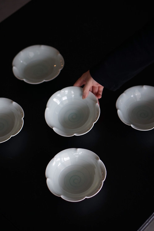 Tachikichi Swirl Porcelain Bowl Set
