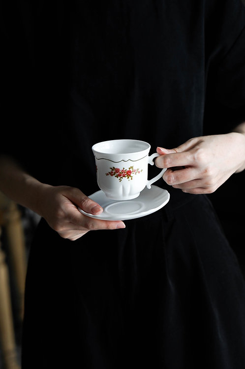 Arcopal France Floral Tea Cup Set (Made in France)