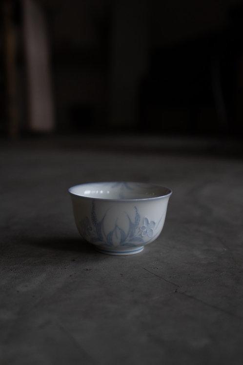 Vintage Blue White Carved bowl 110006