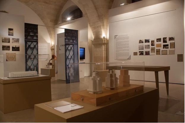 Exposition Cour Mably