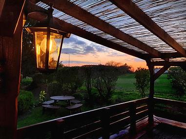 sunset garden pub beer thathcam newbury