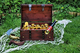 family fun festival midgham pirates chest gold 2.jpg