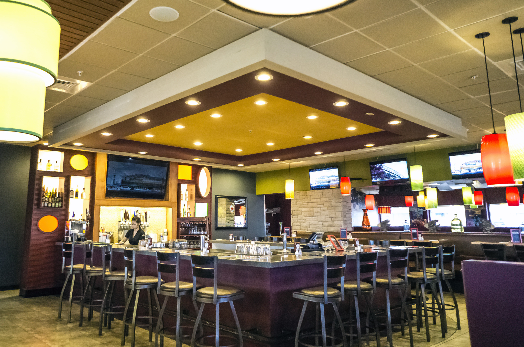 Applebees Interior 4.jpg