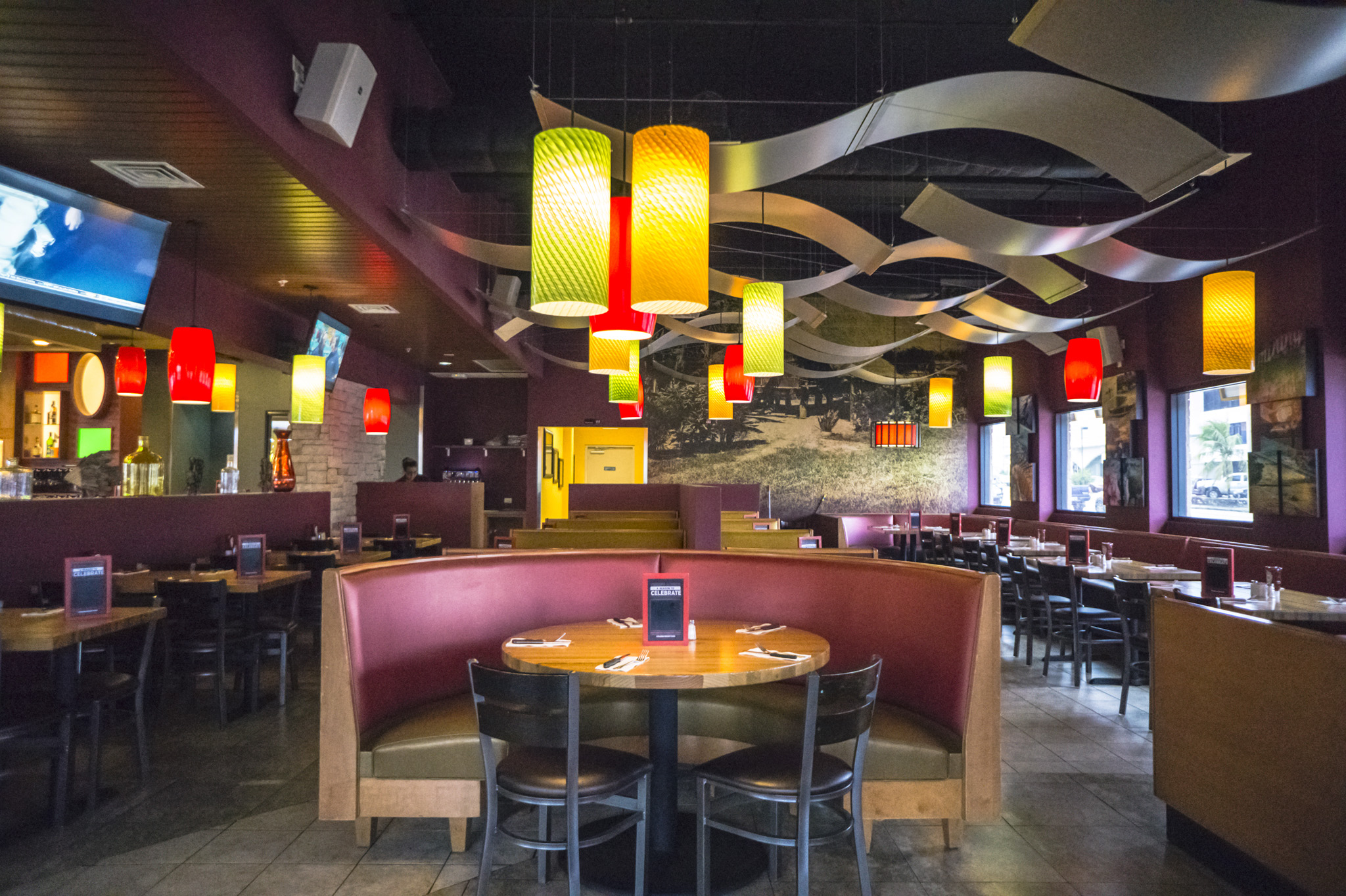 Applebees Interior 3.jpg