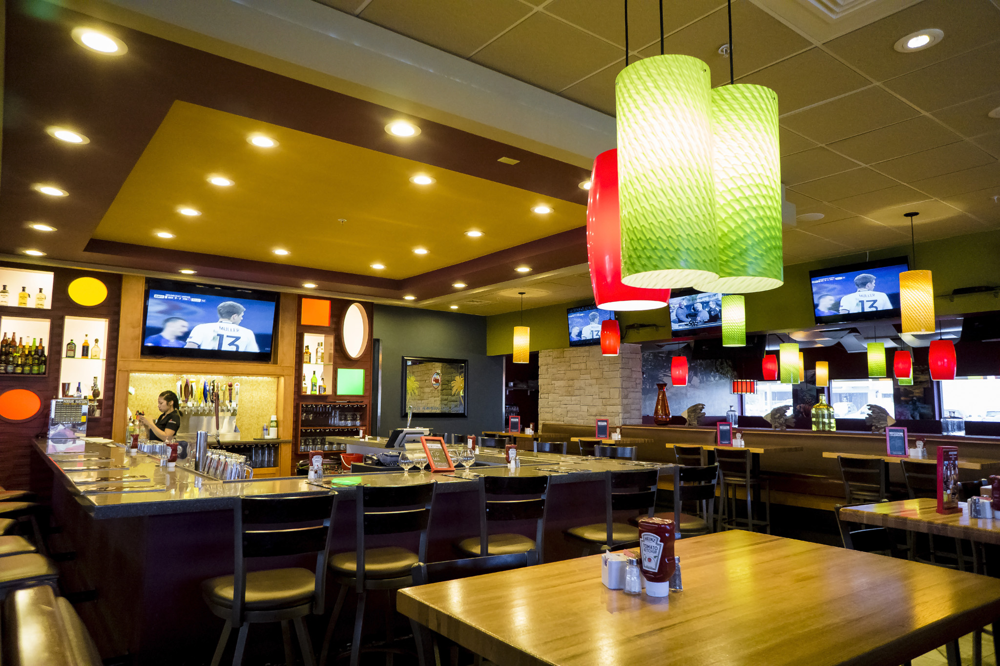 Applebees Interior 1.jpg