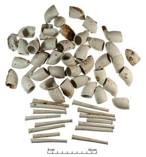 40 clay smoking pipes