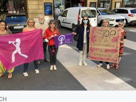 Stop à la discrimination à l'embauche ! Action de soutien devant l'Hôtel de Ville de Neuchâtel.
