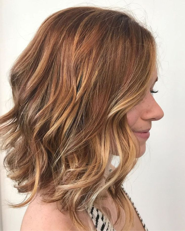 Wavy Tousled Shoulder-Skimming Lob