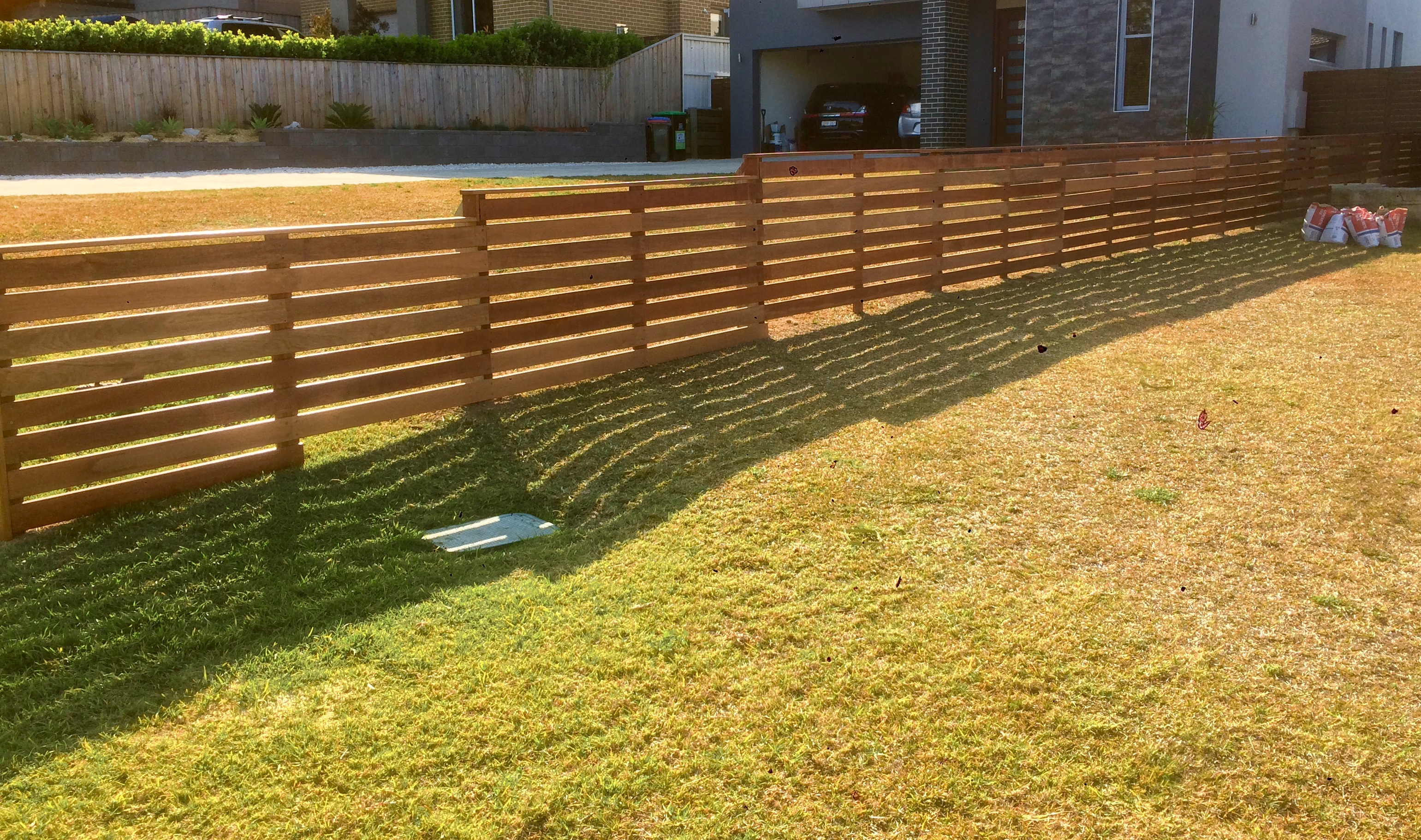 Horitontal Slat Fence