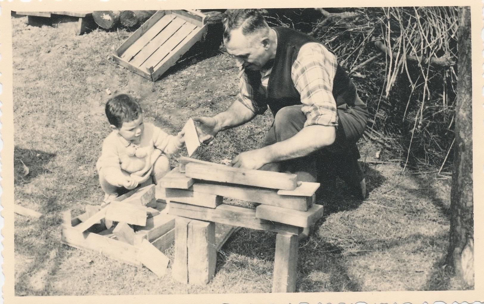 Tobias Loschke mit Opa Heini Loschke