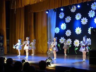 Концертная программа, посвящённая Международному женскому дню – «Дарите женщинам цветы!»