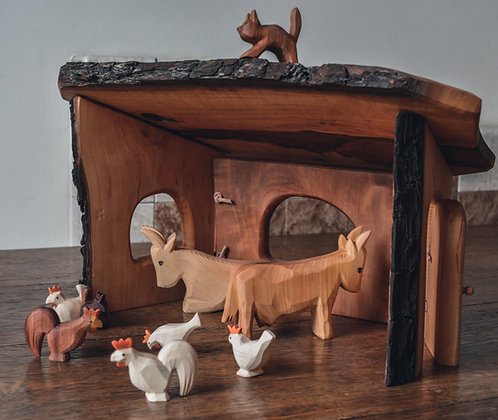 The Barn / Stable - Predan Wooden Toys