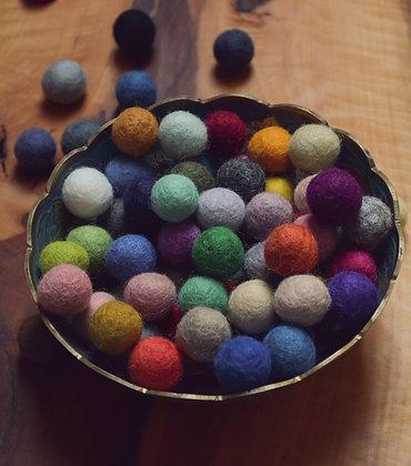 Felt balls in Rainbow 20mm - 72 count