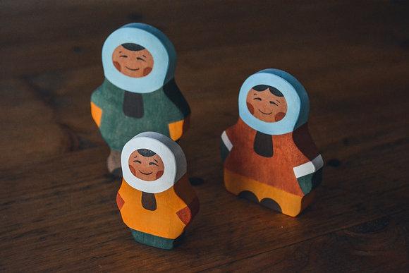 Inuit Family of 3