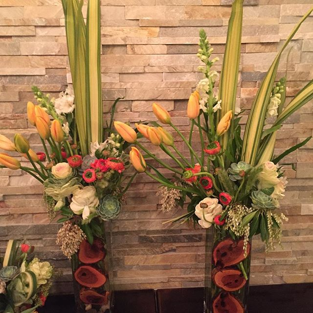 Nickelodeon weekend kickoff! #Nickelodeon #ranunculas #mammoth #westin # flowers #orange #mahogany #