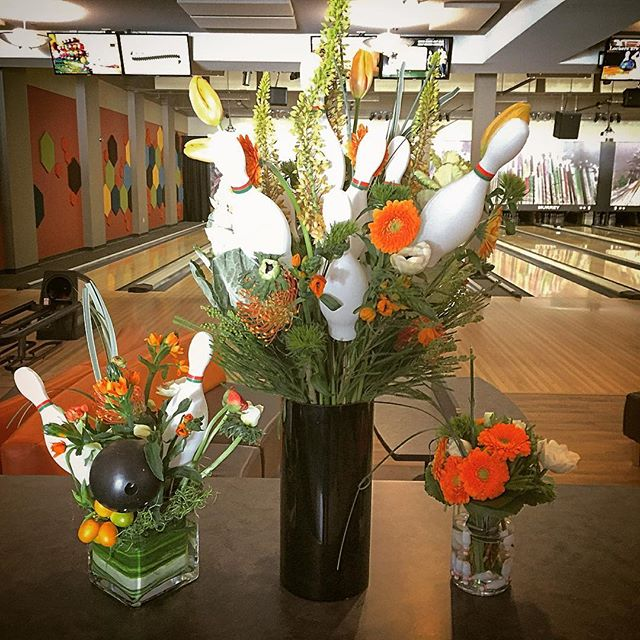 Nickelodeon bowling party _mammothrockandbowl !! #bowling #mammoth #orange #flowers #florist #mammot