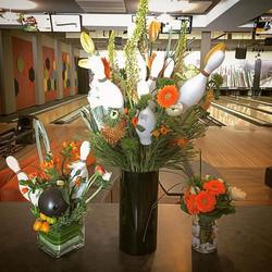 Nickelodeon bowling party _mammothrockandbowl !! #bowling #mammoth #orange #flowers #florist #mammot