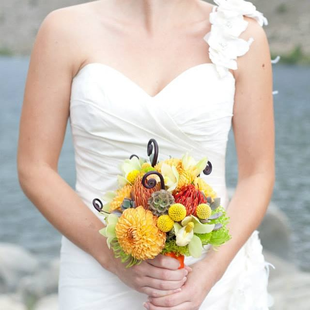 #mammothweddings #mammothstories #redlilydesign #convictlakeresort