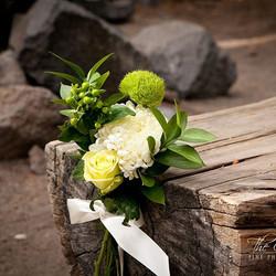 #whitewedding #sierrawedding #mammothstories #mammothweddings #mammothmountain #tamarack #forestchap