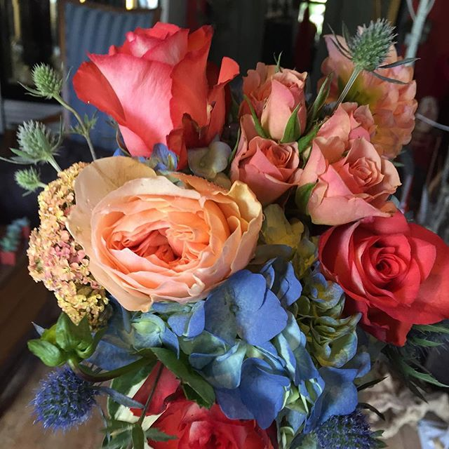 Hey there beauty #bold #coral  #gardenroses #hydrangea #mountainbride #mammothweddings #bride #fourt