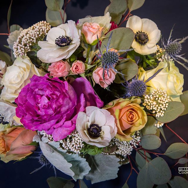 #mammothweddings #anemone #mammothstories #westinmonacheresortmammoth #redlilydesign