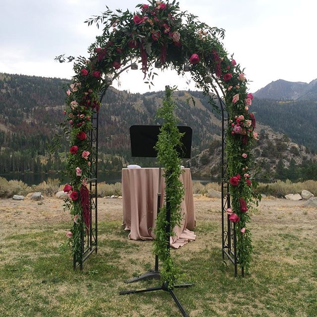 Here we go again!_#mammothmountain #mammothweddings #junelake #victorylodgeweddings