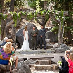 #whitewedding #sierrawedding #mammothstories #mammothweddings #mammothmountain #forestchapel