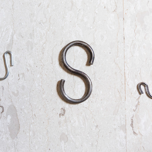 The 'S' hook for the structure