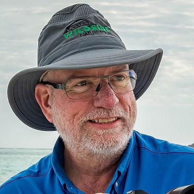 Kevin-Loughlin-galapagos-blue-shirt-vert